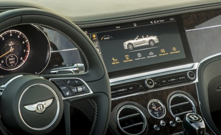 2019 Bentley Continental GT Convertible Central Console Wallpaper 450x275 (61)