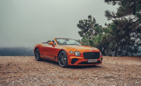 2019 Bentley Continental GT Convertible (Color: Orange Flame) Front Three-Quarter Wallpaper 450x275 (10)