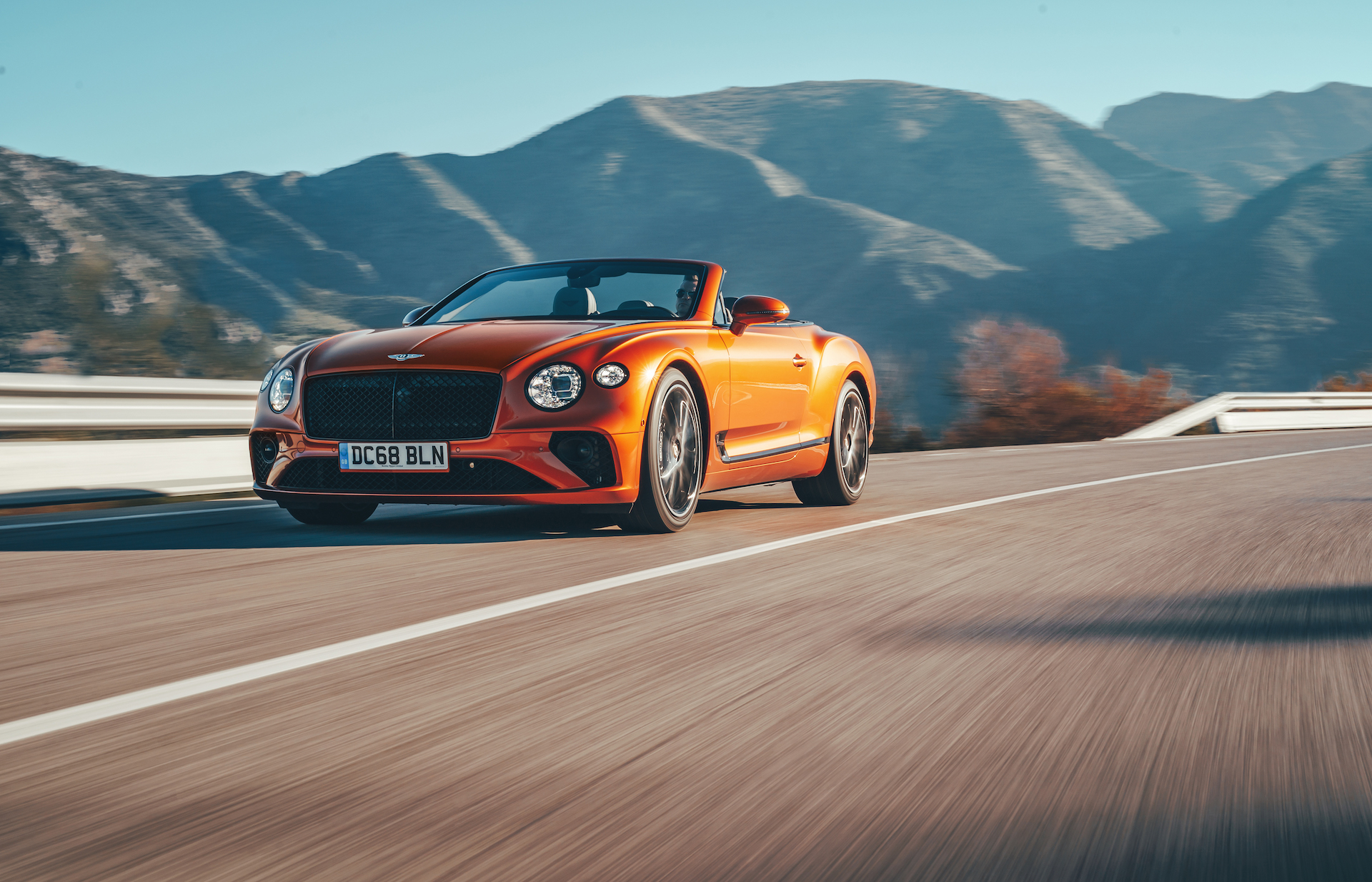 2019 Bentley Continental GT Convertible (Color: Orange Flame) Front Wallpaper (3)