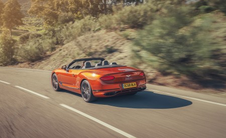 2019 Bentley Continental GT Convertible (Color: Orange Flame) Rear Three-Quarter Wallpaper 450x275 (5)