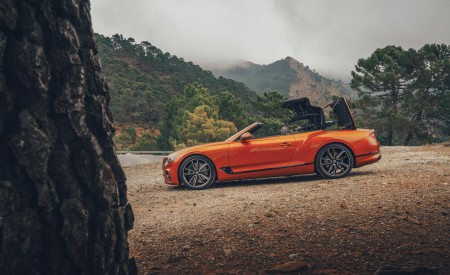 2019 Bentley Continental GT Convertible (Color: Orange Flame) Side Wallpaper 450x275 (11)