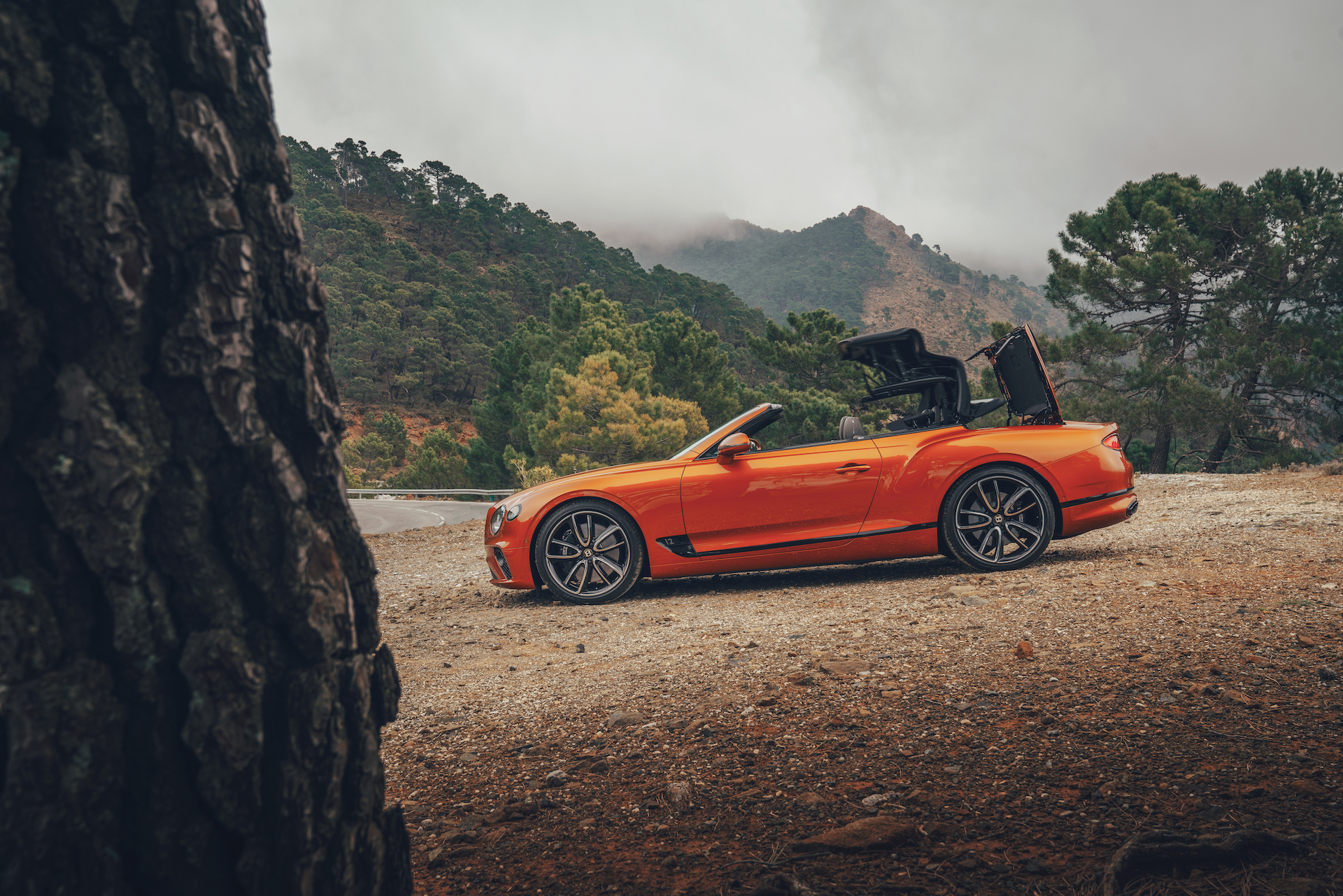 2019 Bentley Continental GT Convertible (Color: Orange Flame) Side Wallpaper (11)