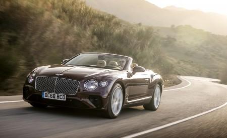 2019 Bentley Continental GT Convertible Front Three-Quarter Wallpaper 450x275 (43)