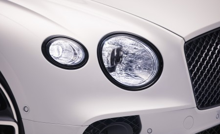2019 Bentley Continental GT Convertible Headlight Wallpaper 450x275 (83)