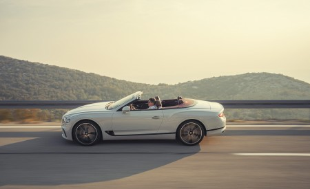 2019 Bentley Continental GT Convertible Side Wallpaper 450x275 (75)