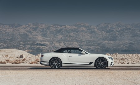 2019 Bentley Continental GT Convertible Side Wallpaper 450x275 (69)