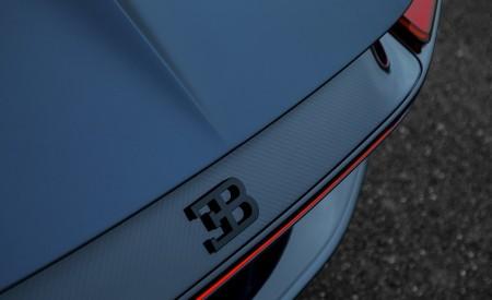 2019 Bugatti Chiron Sport 110 ans Bugatti Badge Wallpaper 450x275 (9)