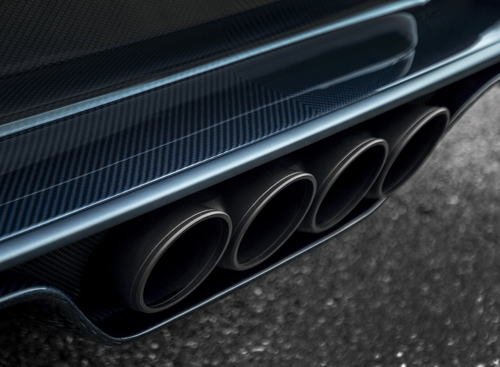 2019 Bugatti Chiron Sport 110 ans Bugatti Exhaust Wallpapers (7)