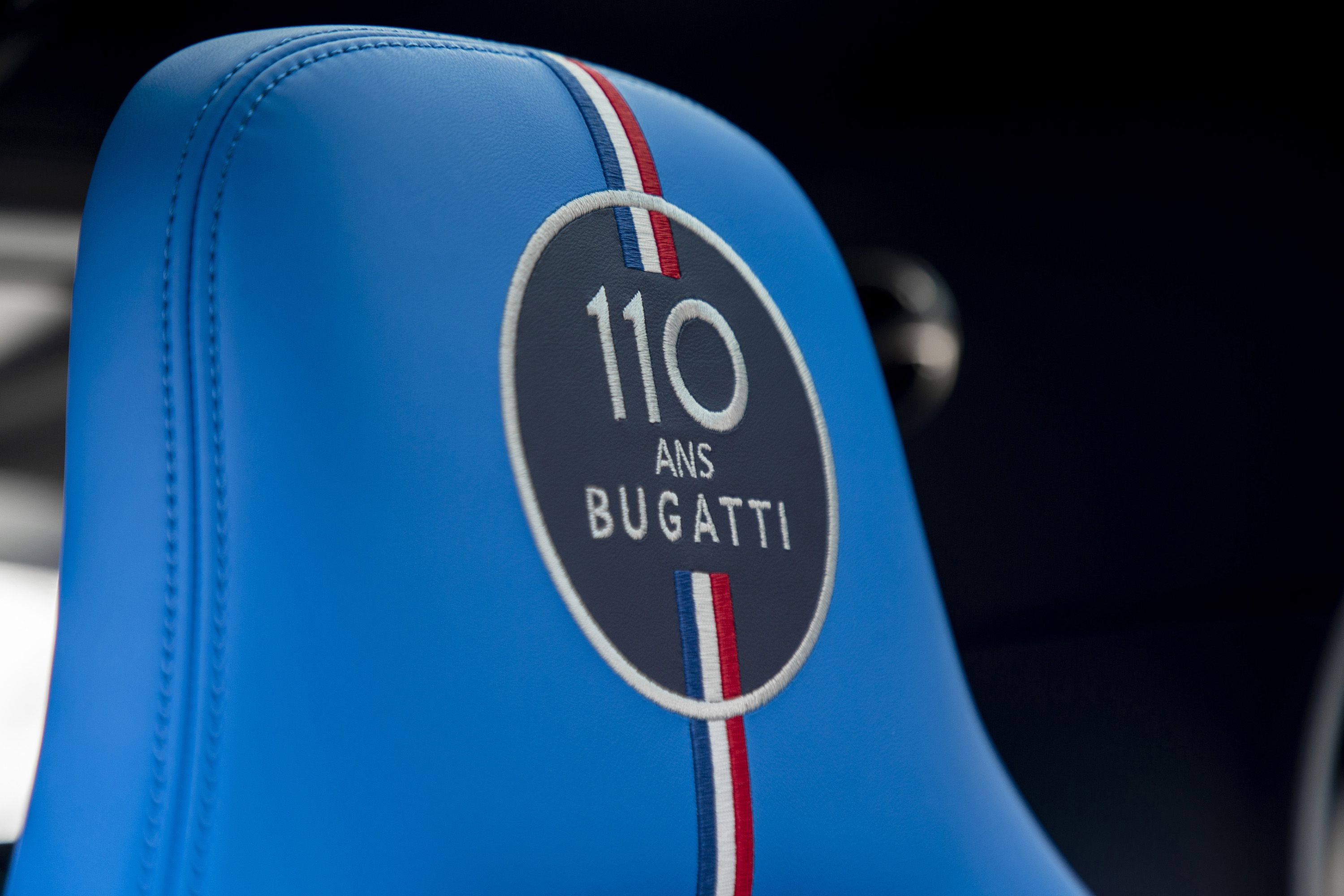 2019 Bugatti Chiron Sport 110 ans Bugatti Interior Detail Wallpapers (12)