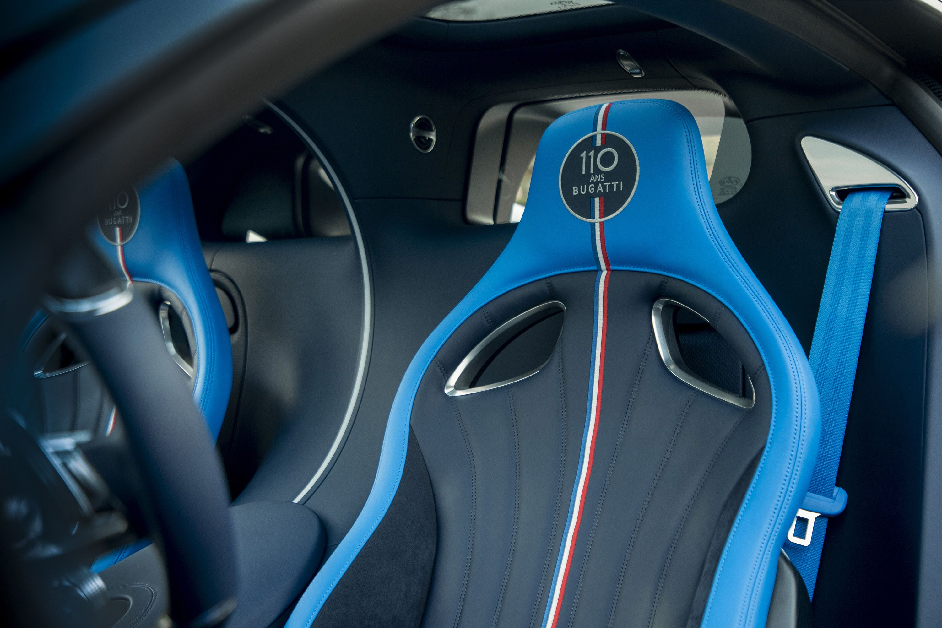 2019 Bugatti Chiron Sport 110 ans Bugatti Interior Front Seats Wallpapers (11)