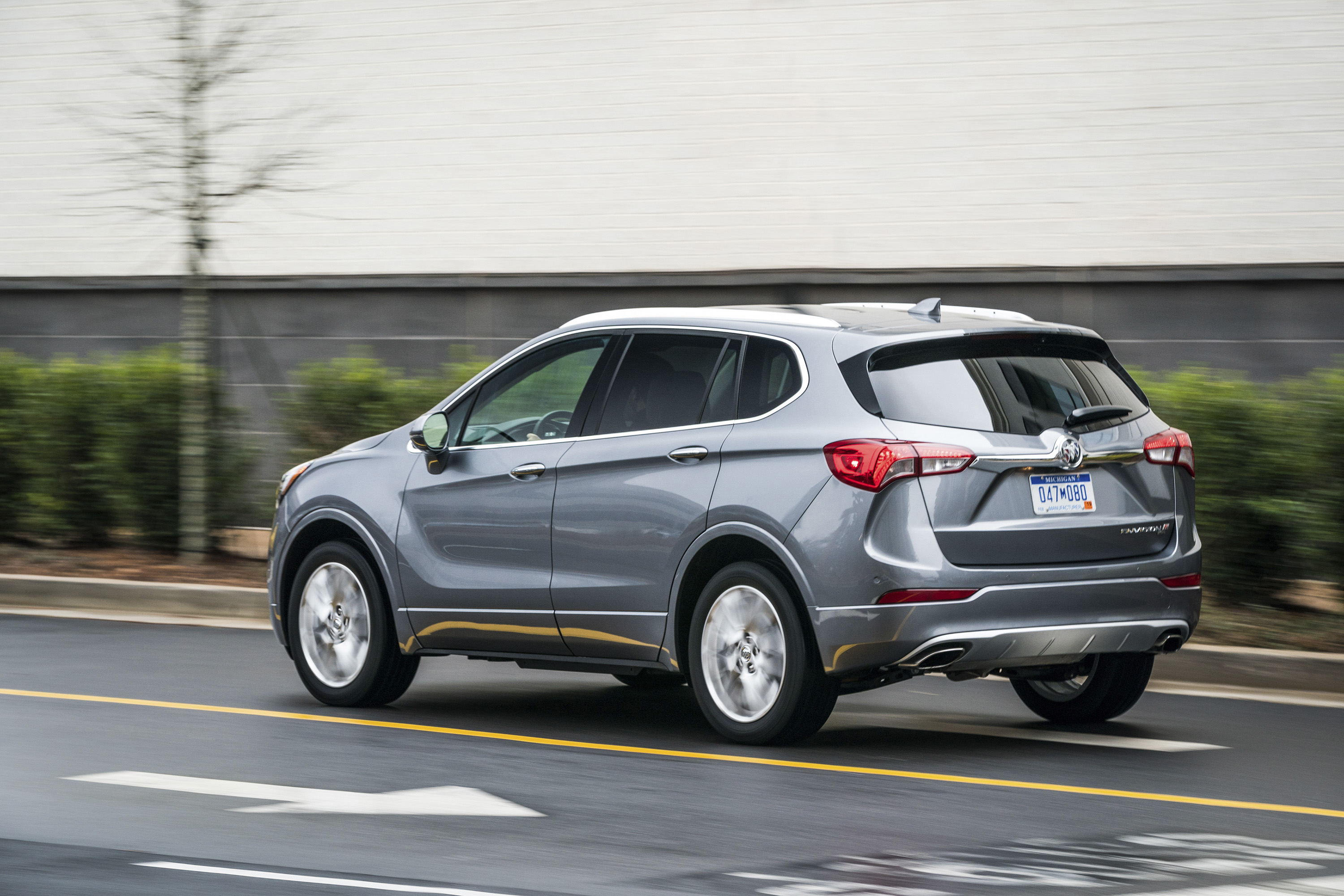 2019 Buick Envision Rear Three-Quarter Wallpapers (3)