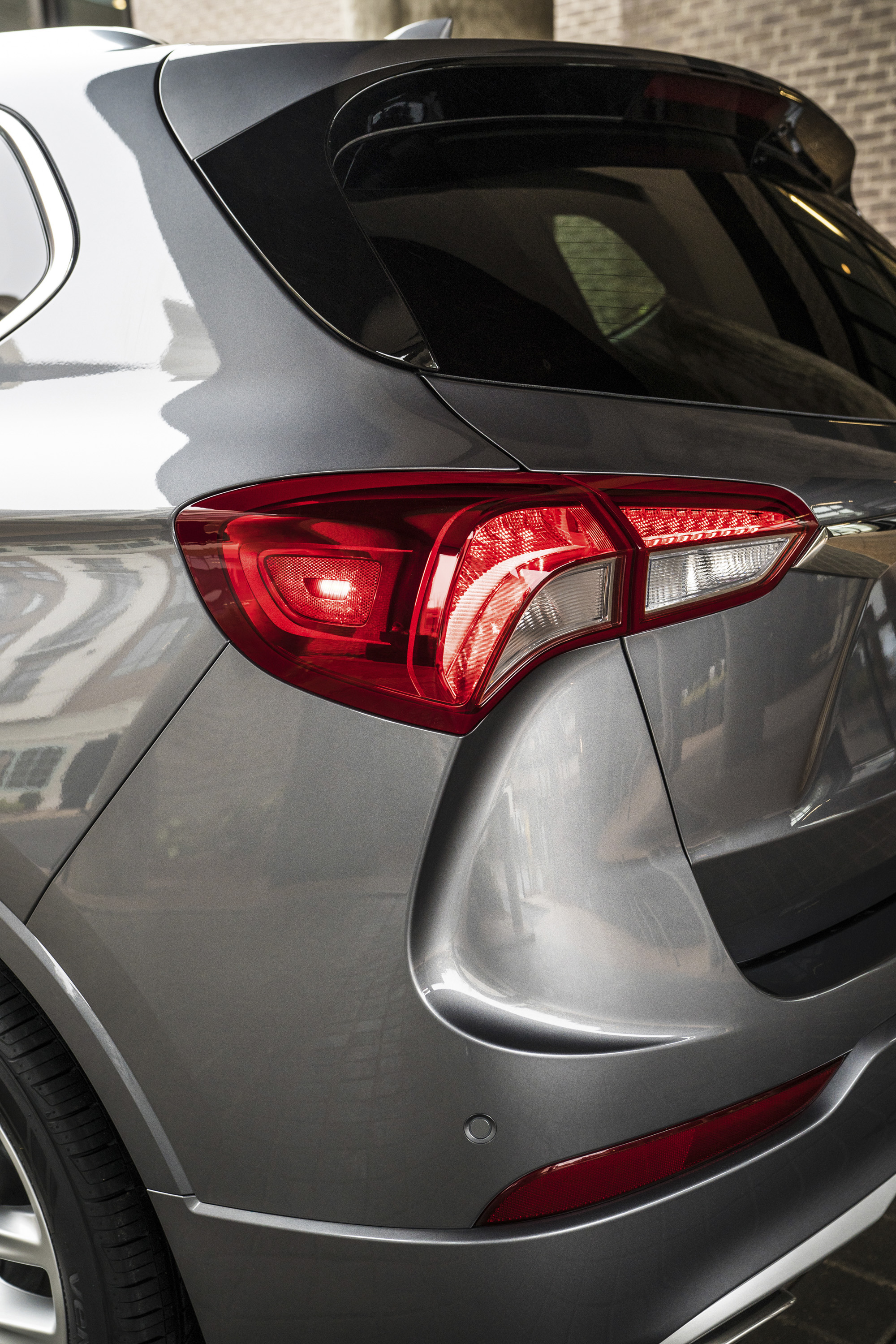 2019 Buick Envision Tail Light Wallpapers (14)