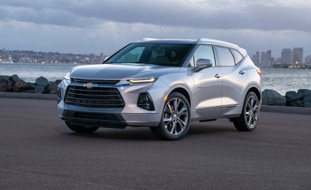2019 Chevrolet Blazer Front Three-Quarter Wallpaper 450x275 (52)
