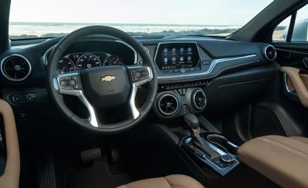 2019 Chevrolet Blazer Interior Wallpaper 450x275 (67)