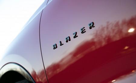 2019 Chevrolet Blazer RS Badge Wallpaper 450x275 (23)