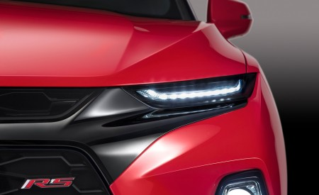 2019 Chevrolet Blazer RS Headlight Wallpaper 450x275 (28)