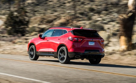2019 Chevrolet Blazer RS Rear Three-Quarter Wallpaper 450x275 (6)