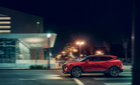2019 Chevrolet Blazer RS Side Wallpaper 450x275 (73)