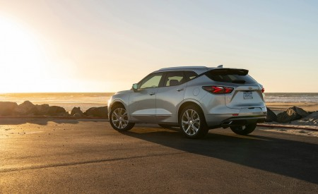 2019 Chevrolet Blazer Rear Three-Quarter Wallpaper 450x275 (57)