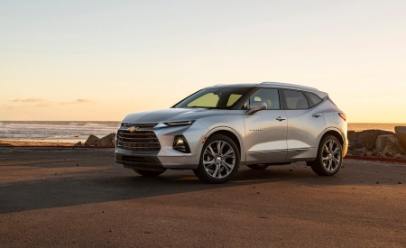 2019 Chevrolet Blazer Side Wallpaper 450x275 (58)