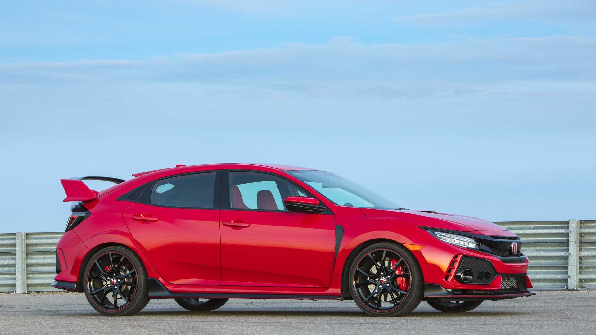 2019 Honda Civic Type R (Color: Rallye Red) Front Three-Quarter Wallpapers (15)