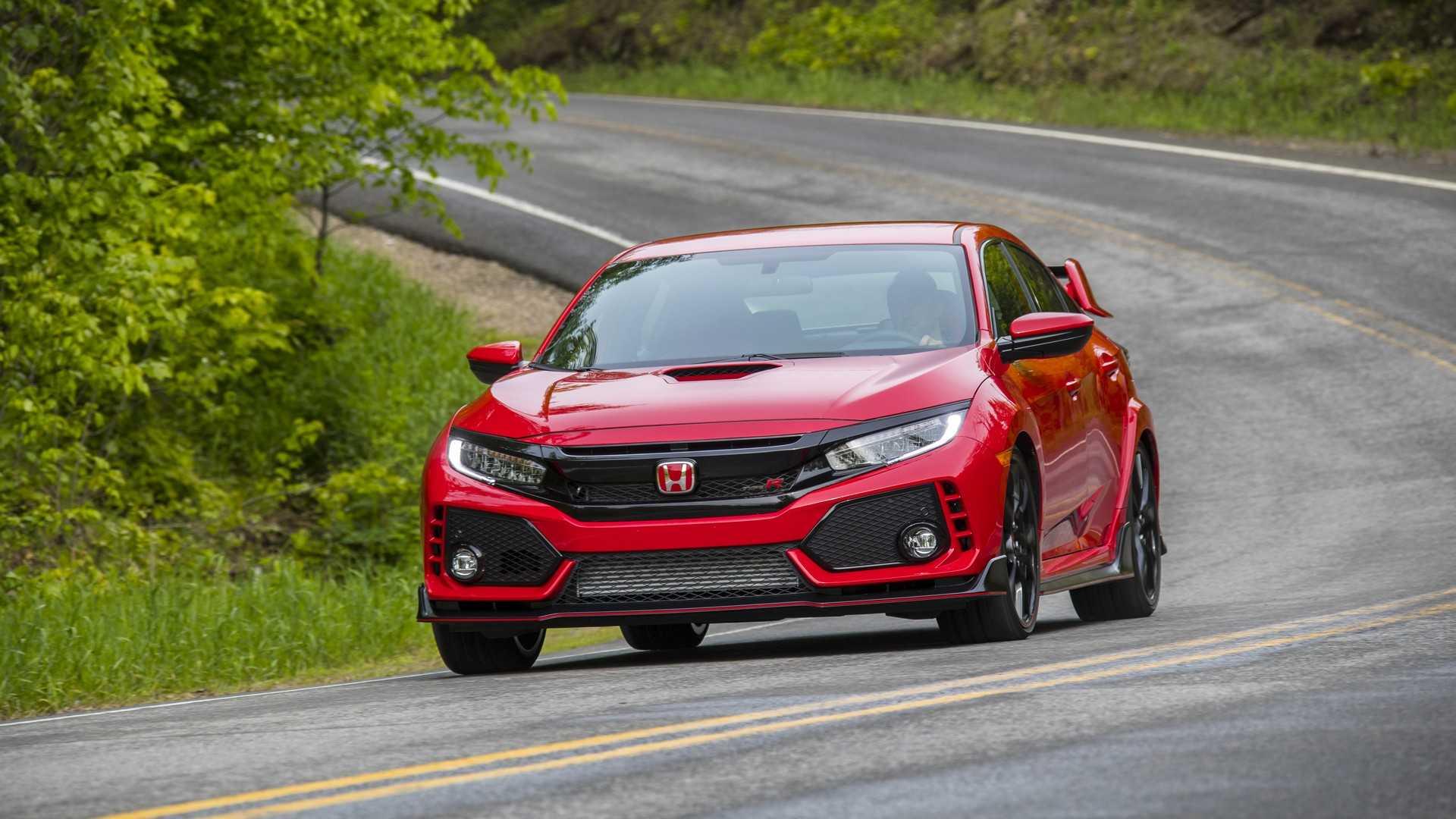 2019 Honda Civic Type R (Color: Rallye Red) Front Three-Quarter Wallpaper (2)