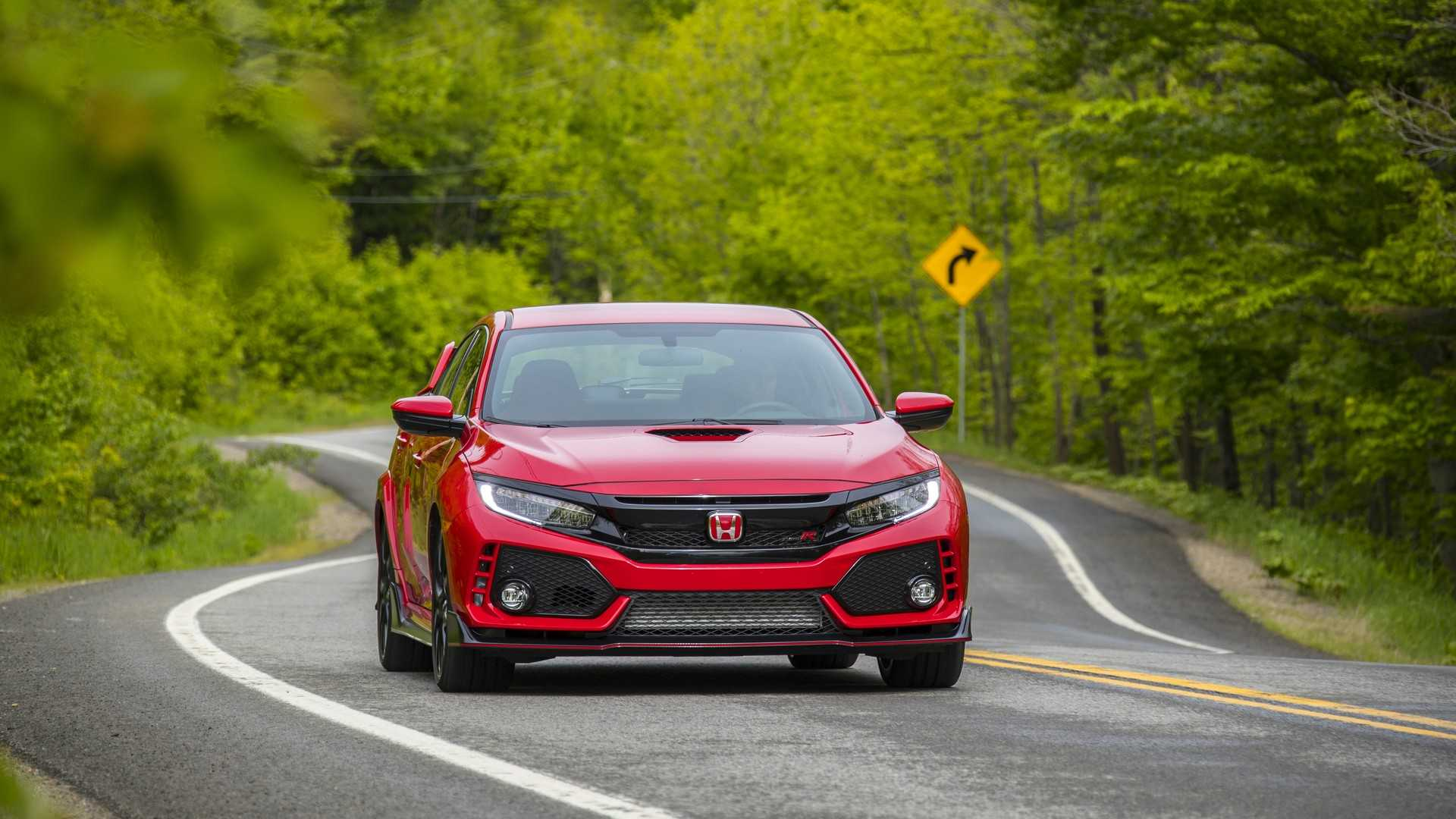 2019 Honda Civic Type R (Color: Rallye Red) Front Wallpapers (11)