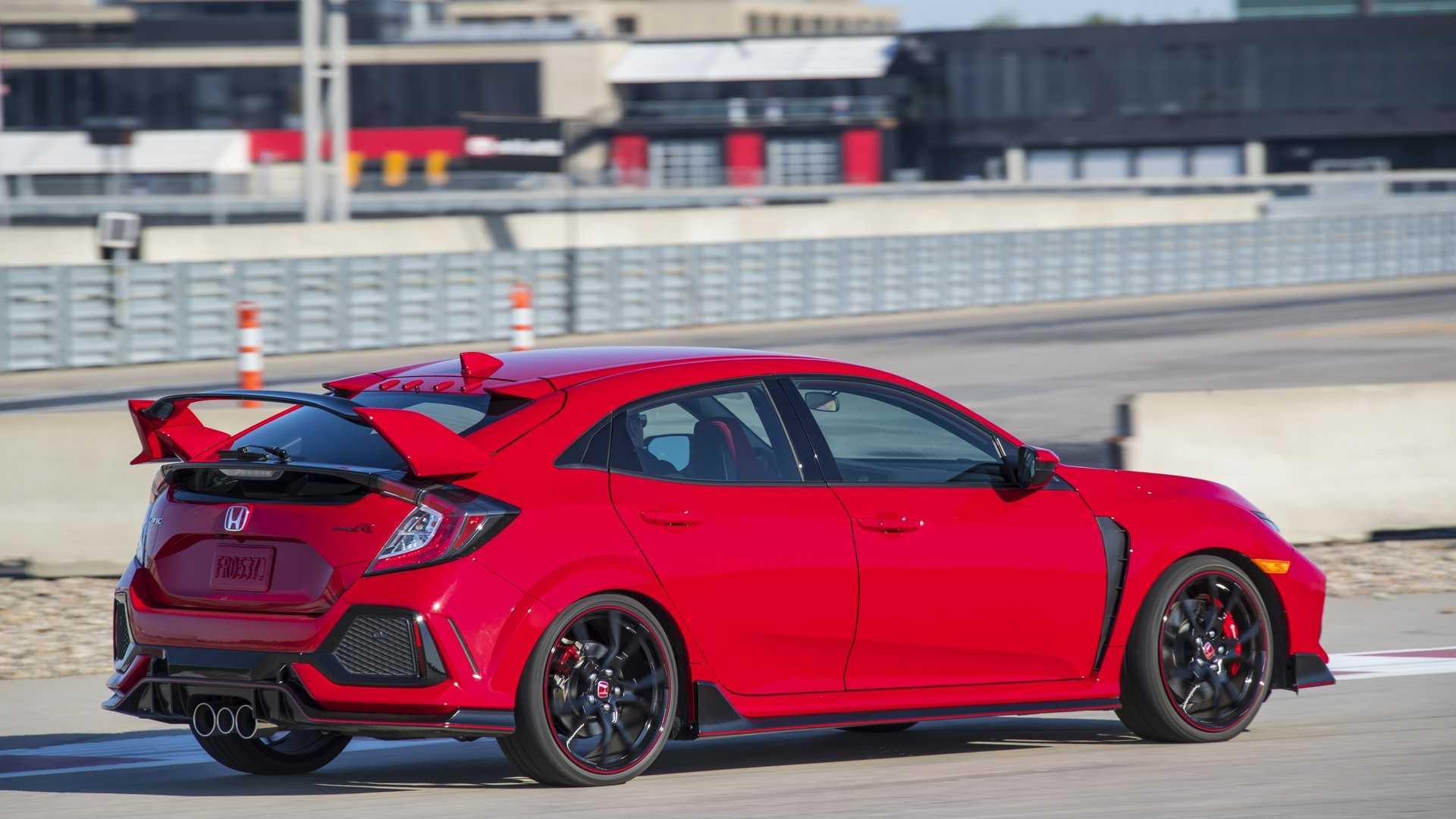 2019 Honda Civic Type R (Color: Rallye Red) Rear Three-Quarter Wallpapers (12)