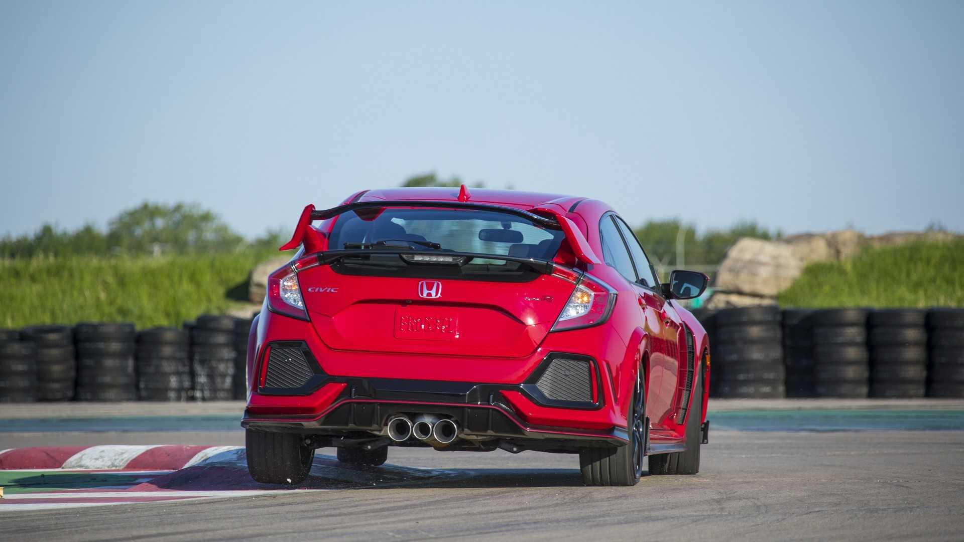 2019 Honda Civic Type R (Color: Rallye Red) Rear Wallpaper (13)