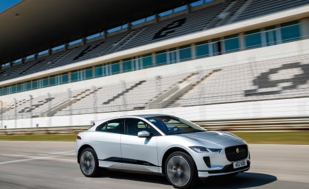 2019 Jaguar I-PACE (Color: Indus Silver) Front Three-Quarter Wallpapers 450x275 (142)