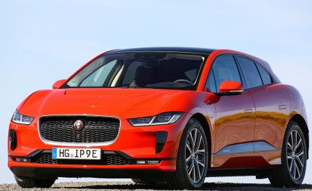 2019 Jaguar I-PACE EV400 AWD HSE First Edition (Color: Photon Red) Front Three-Quarter Wallpapers 450x275 (54)