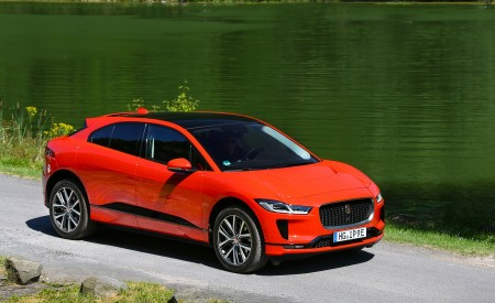 2019 Jaguar I-PACE EV400 AWD HSE First Edition (Color: Photon Red) Front Three-Quarter Wallpapers 450x275 (44)