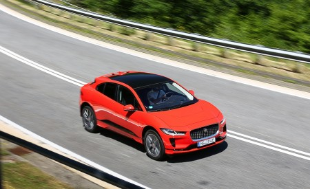 2019 Jaguar I-PACE EV400 AWD HSE First Edition (Color: Photon Red) Front Three-Quarter Wallpapers 450x275 (27)