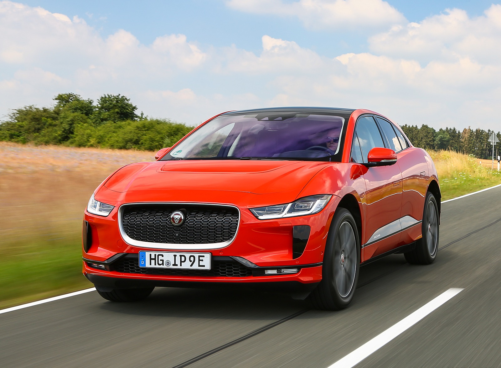 2019 Jaguar I-PACE EV400 AWD HSE First Edition (Color: Photon Red) Front Three-Quarter Wallpapers (10)