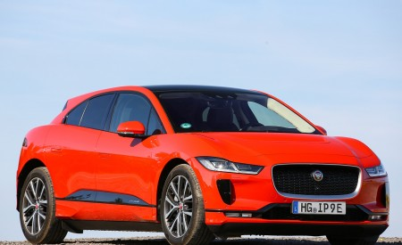2019 Jaguar I-PACE EV400 AWD HSE First Edition (Color: Photon Red) Front Three-Quarter Wallpapers 450x275 (55)