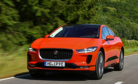 2019 Jaguar I-PACE EV400 AWD HSE First Edition (Color: Photon Red) Front Three-Quarter Wallpapers 450x275 (12)
