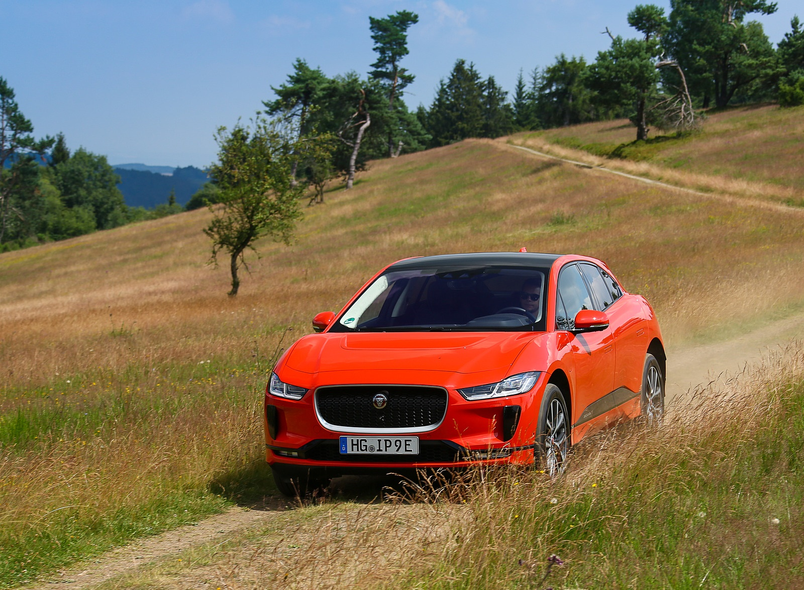 2019 Jaguar I-PACE EV400 AWD HSE First Edition (Color: Photon Red) Front Wallpapers #37 of 192