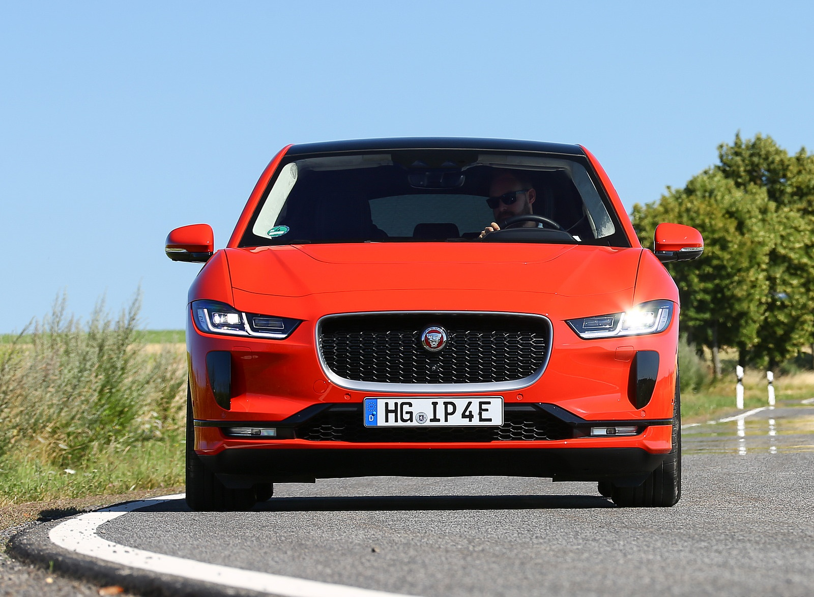 2019 Jaguar I-PACE EV400 AWD HSE First Edition (Color: Photon Red) Front Wallpapers (13)