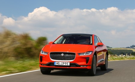 2019 Jaguar I-PACE EV400 AWD HSE First Edition (Color: Photon Red) Front Wallpapers 450x275 (4)