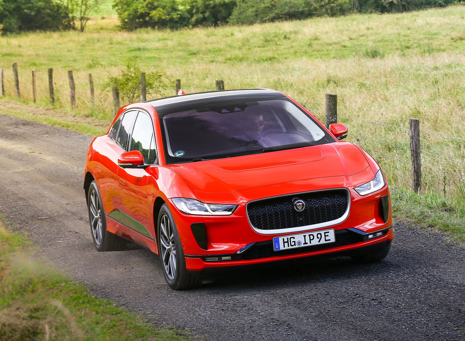 2019 Jaguar I-PACE EV400 AWD HSE First Edition (Color: Photon Red) Front Wallpapers #38 of 192