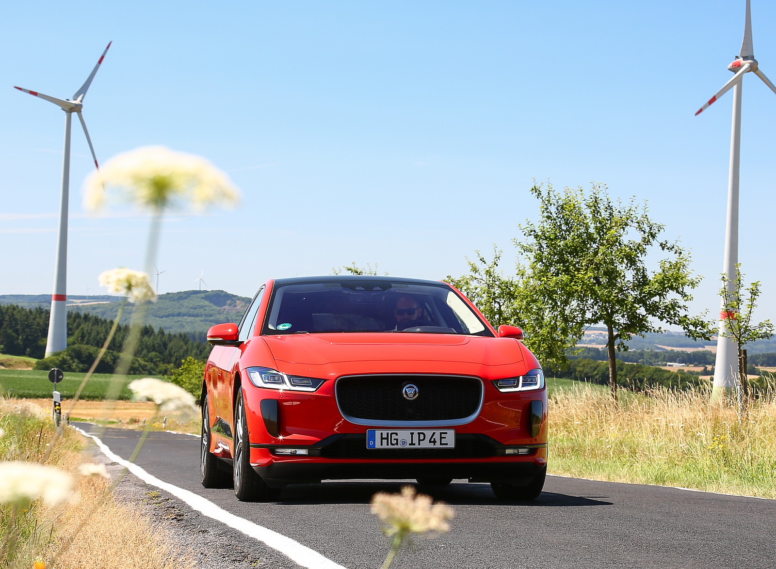 2019 Jaguar I-PACE EV400 AWD HSE First Edition (Color: Photon Red) Front Wallpapers #23 of 192
