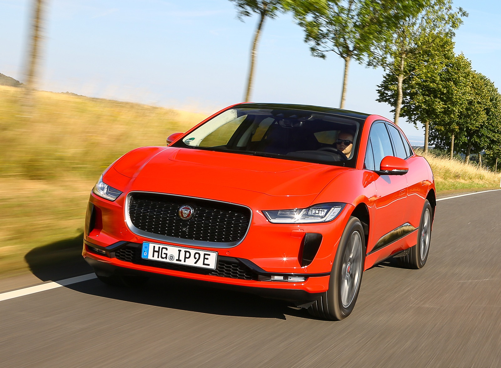 2019 Jaguar I-PACE EV400 AWD HSE First Edition (Color: Photon Red) Front Wallpapers (14)