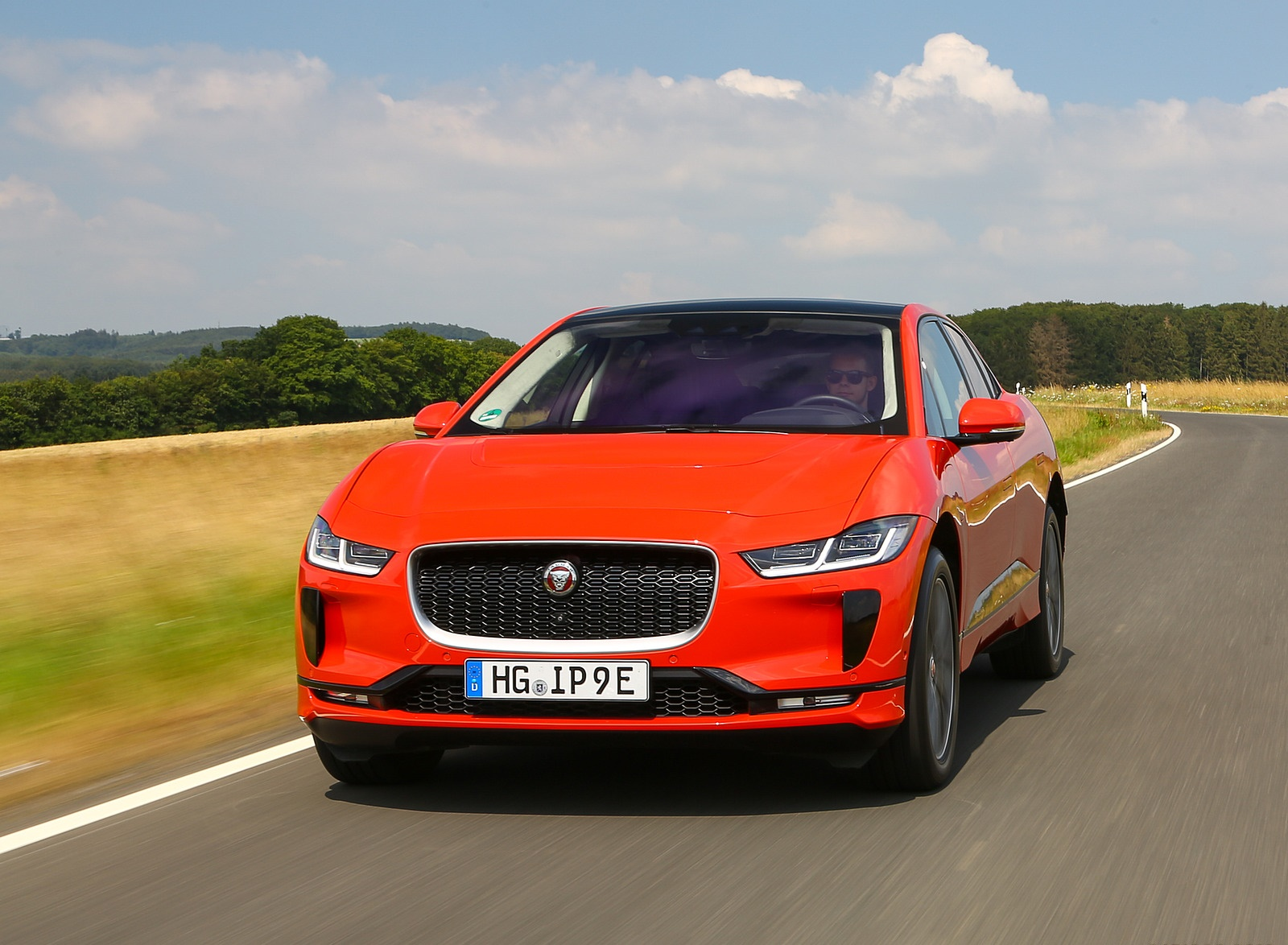 2019 Jaguar I-PACE EV400 AWD HSE First Edition (Color: Photon Red) Front Wallpapers (5)