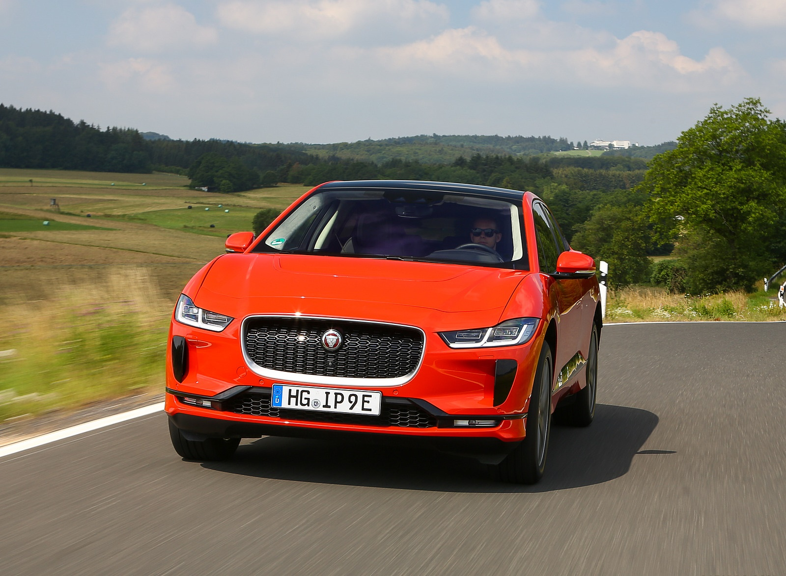 2019 Jaguar I-PACE EV400 AWD HSE First Edition (Color: Photon Red) Front Wallpapers (6)
