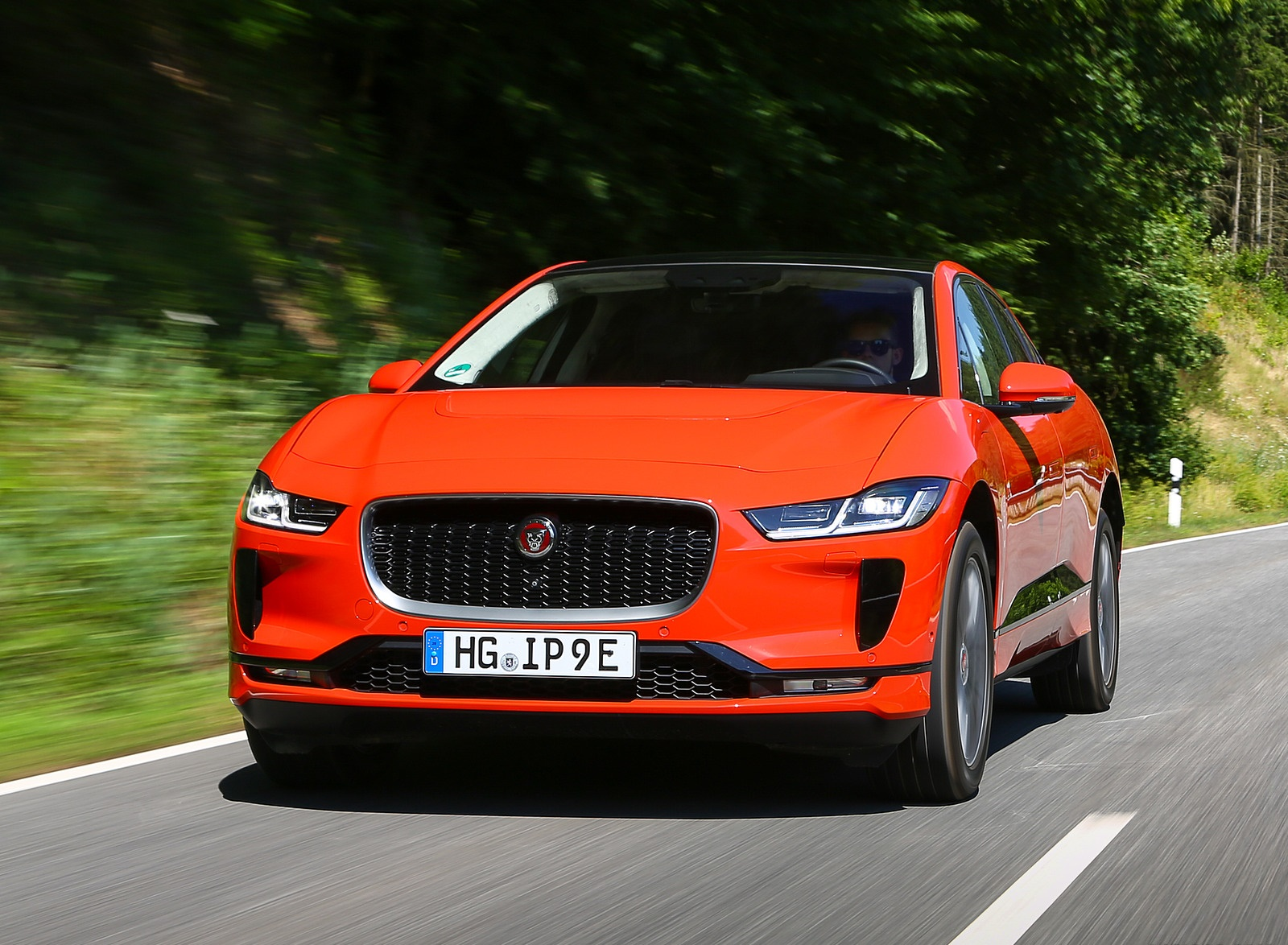 2019 Jaguar I-PACE EV400 AWD HSE First Edition (Color: Photon Red) Front Wallpapers #17 of 192