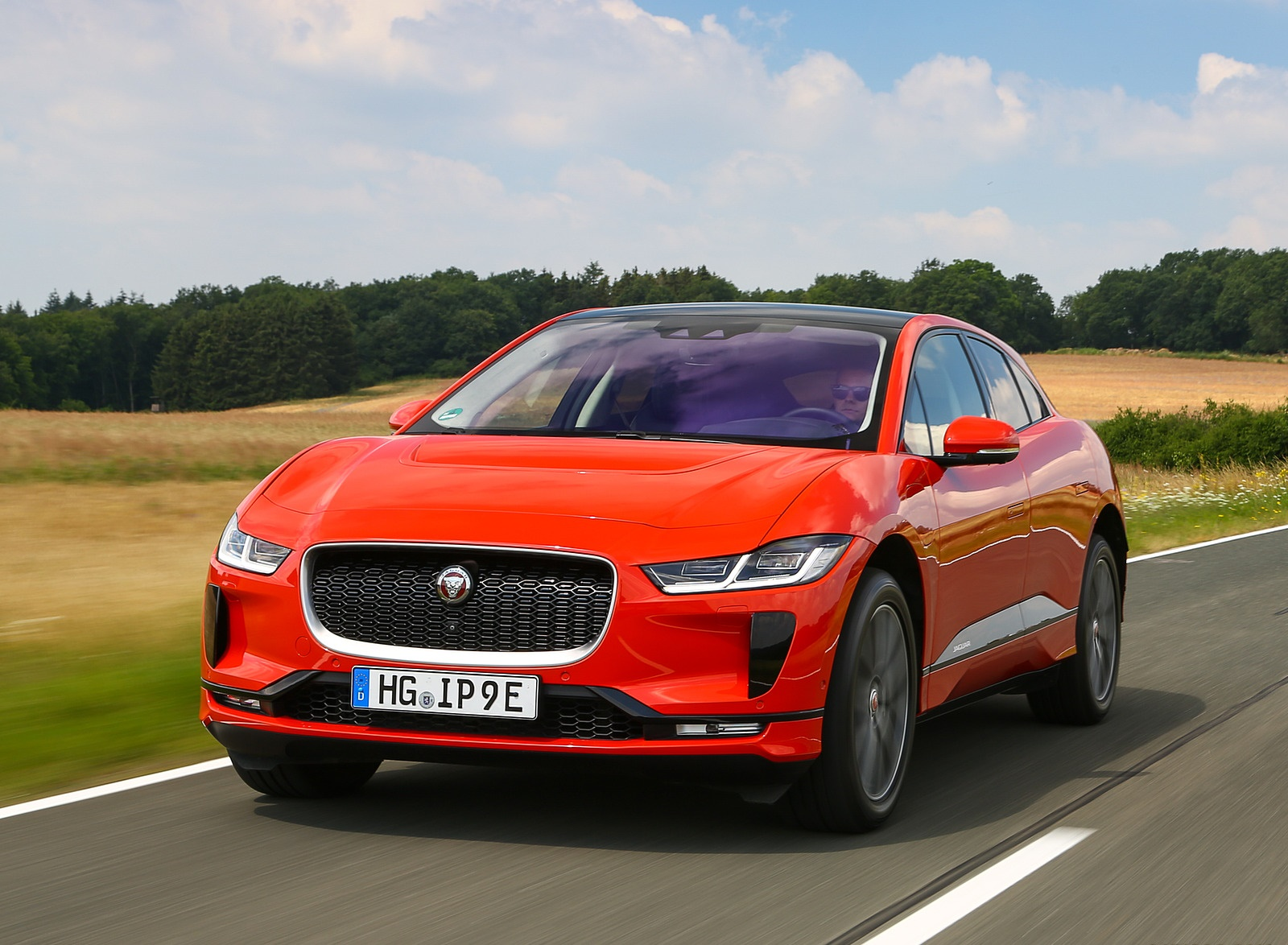 2019 Jaguar I-PACE EV400 AWD HSE First Edition (Color: Photon Red) Front Wallpapers #7 of 192