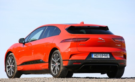 2019 Jaguar I-PACE EV400 AWD HSE First Edition (Color: Photon Red) Rear Three-Quarter Wallpapers 450x275 (58)