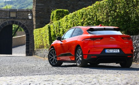 2019 Jaguar I-PACE EV400 AWD HSE First Edition (Color: Photon Red) Rear Three-Quarter Wallpapers 450x275 (50)