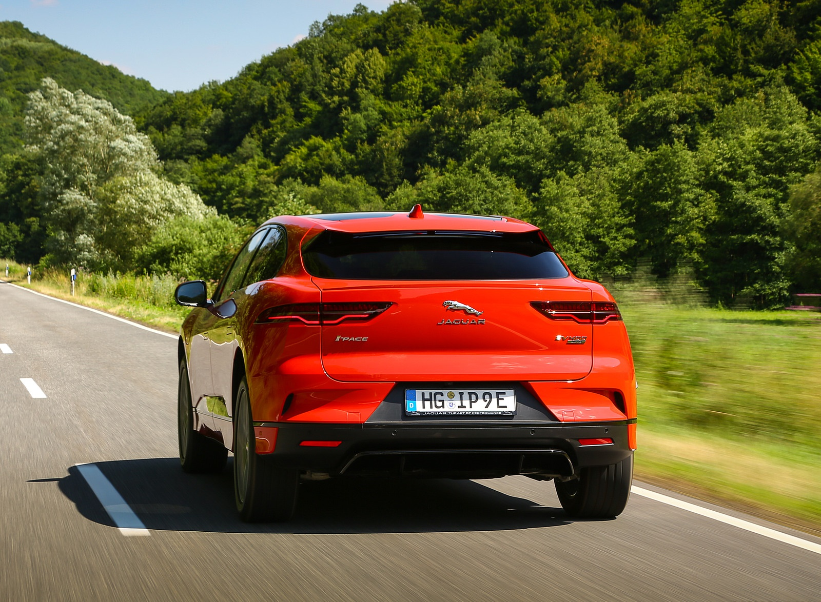 2019 Jaguar I-PACE EV400 AWD HSE First Edition (Color: Photon Red) Rear Wallpapers #31 of 192