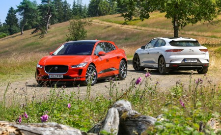 2019 Jaguar I-PACE EV400 AWD HSE First Edition (Color: Photon Red) Wallpapers 450x275 (53)